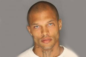 Hot-Mugshot-Gang-member-arrested-stockton-Jeremy-Meeks_2014-06-20_02-03-07