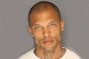 Hot-Mugshot-Gang-member-arrested-stockton-Jeremy-Meeks_2014-06-20_02-03-07